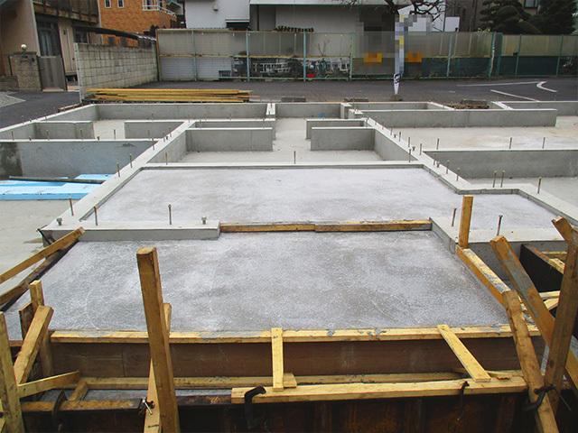 地震の揺れを抑え、建物に与える力を軽減する制震性能
