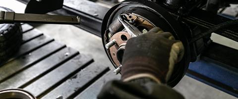 ブレーキ修理・ブレーキパッド交換