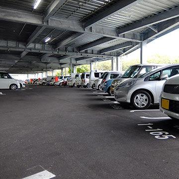 商業施設駐車場