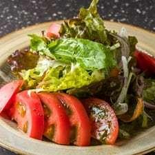 トマトたっぷりサラダ