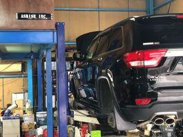 グランドチェロキー 中古車販売 点検 整備 ボディコーティング フリップダウンモニター取り付け
