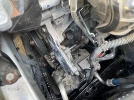 プリウス ZVW30 ウォーターポンプ交換 サーモスタット交換 ヒーター効かない 整備 修理 摂津