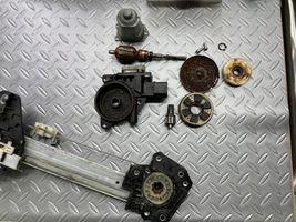 ゼスト 右フロントパワーウインド動かない レギュレーター交換 整備 修理 摂津
