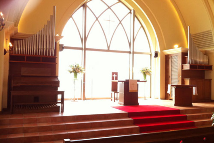 ブライダルハウスチュチュ沖縄 アリビラ・グローリー教会