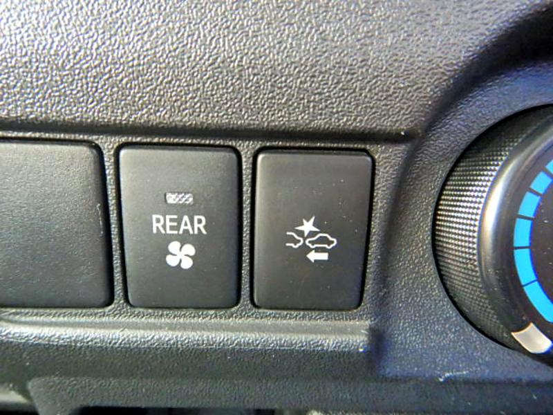 ロングDX GLパッケージ 4WD 9人 ディーゼル 4ドア AT車